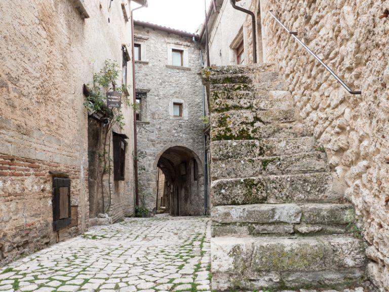 44.000 euro in Santo Stefano di Sessanio
