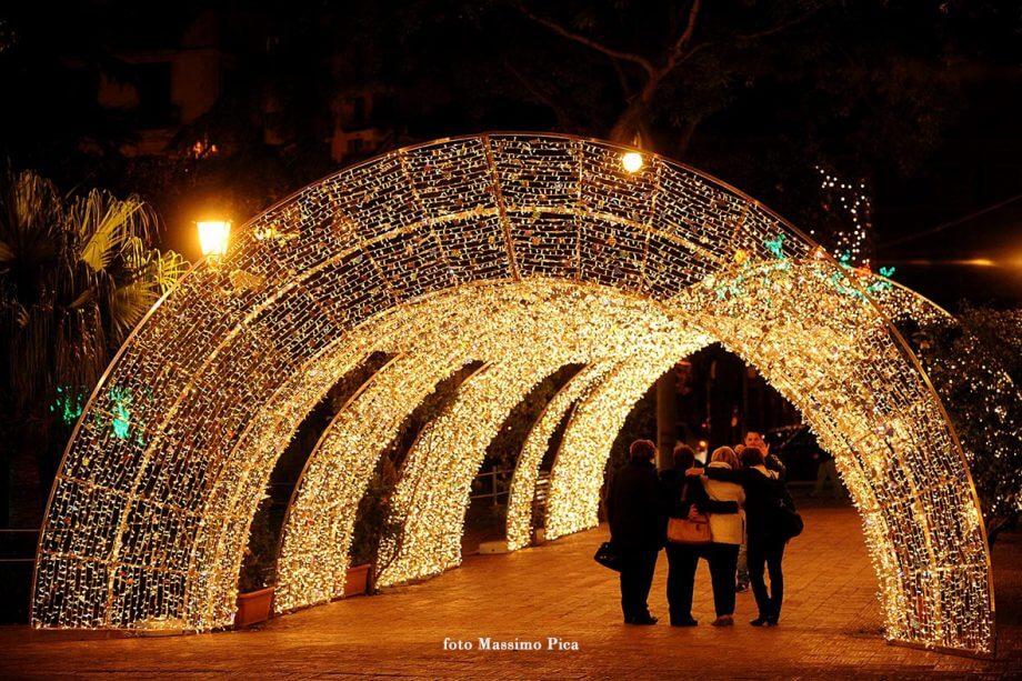 Arco luminoso, Luci d'artista, Salerno, foto Massimo Pica