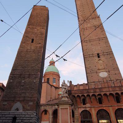 Torre degli Asinelli en Torre Garisenda, Bologna