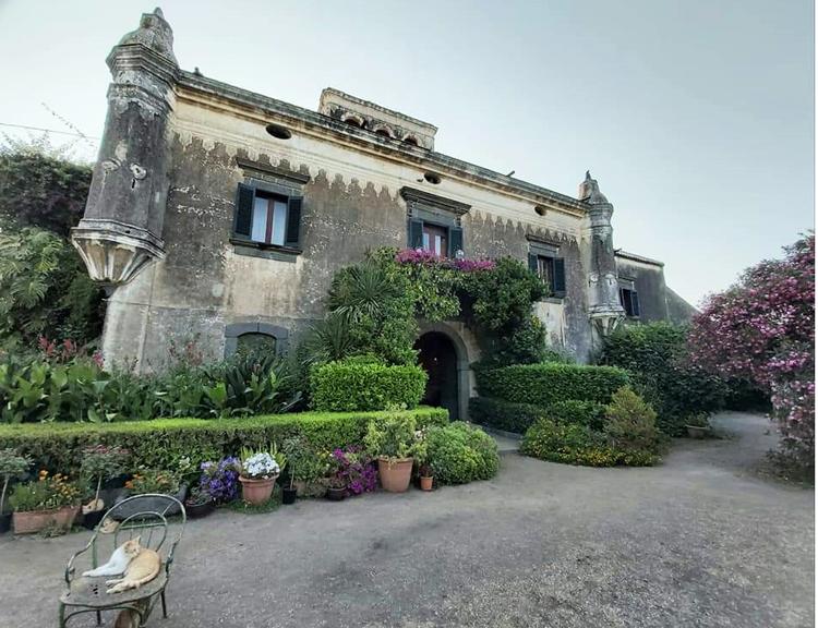 Castello degli Schiavi, maffia film locatie, corleone sicilie, waar speelt de godfather zich af, stad van de maffia