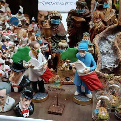 Kerststalfiguren Napoli met mondmasker