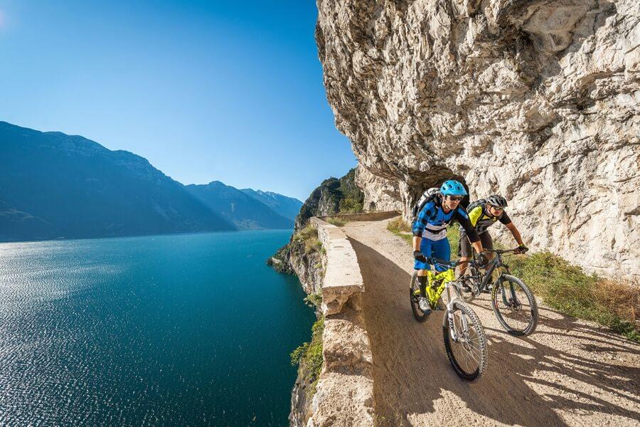 fietsen gardameer © Ronny Kiaulehn
