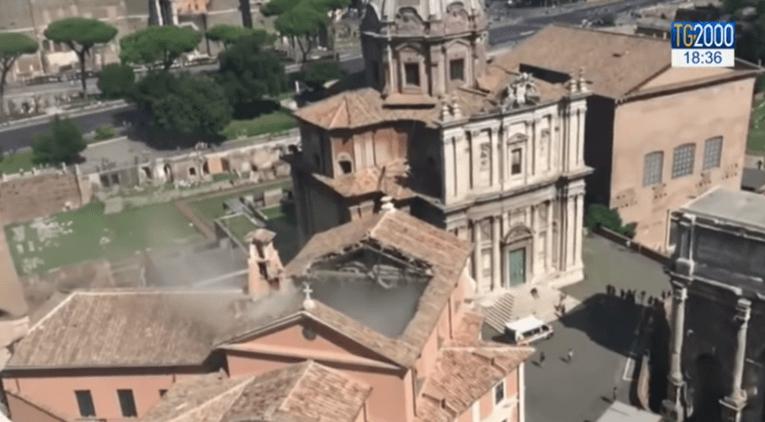 kerkdak Rome ingestort