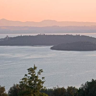 7=4 of 2=1 aan het Lago Trasimeno, Umbria