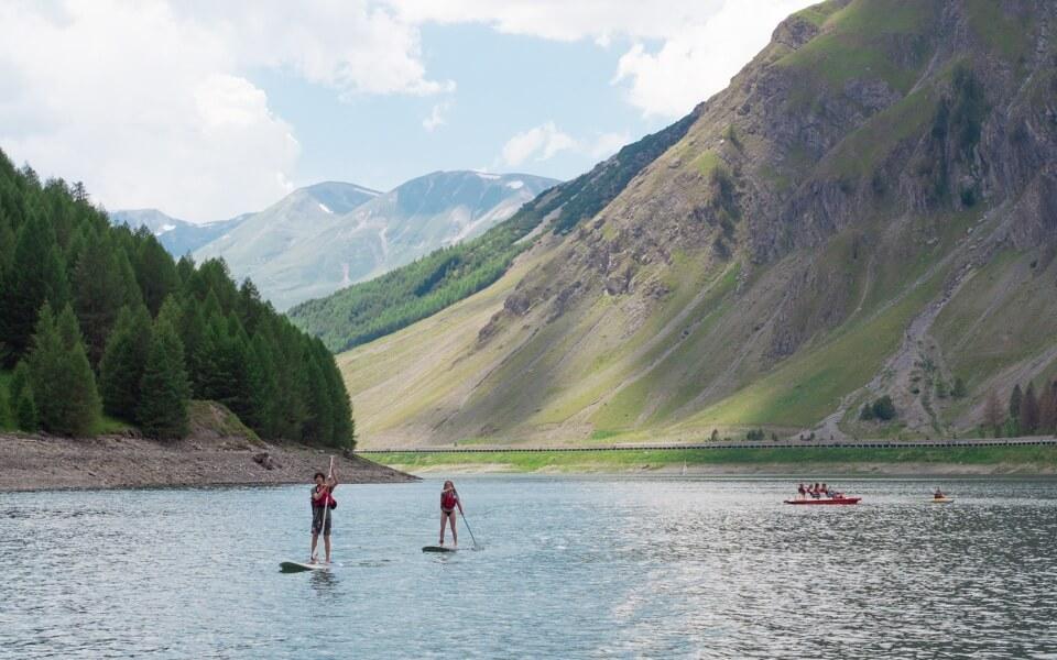 Suppen, waterfietsen, kayakken op het Lago di Livigno © Claudia Zanin