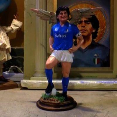 Gevleugelde Maradona te koop voor in kerststal