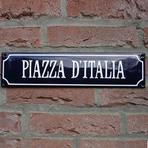 Italiaanse straatnaambordjes