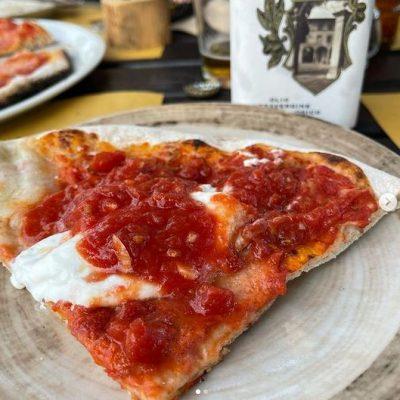 Op de pizza bij Sting