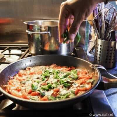 Salsa ai pomodorini e basilico