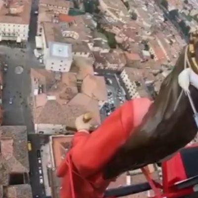 Vliegende heilige boven Rieti