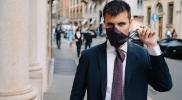 Van anti-ongeluk-stropdas tot stropdas met mondmasker