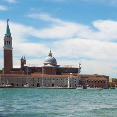 Marco Borsato kiekt terug op zijn huwelijk met Leontine in Venetië