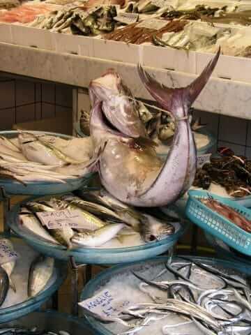 vis op het Italiaanse kerstmenu
