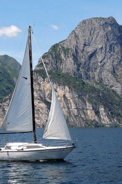 Huur een zeilboot op vakantie in Italie